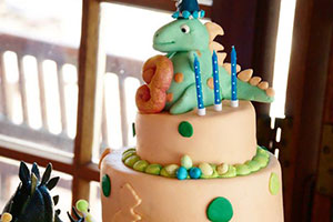 Birthdays-Dinosaur-cake